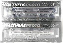 Deluxe Budd Metroliner 4-Car Set withSound & DCC PRR (Test) Walthers #920-805