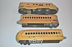 MARX TRAINS M10000 UNION PACIFIC ARTICULATED STREAMLINER SET WithPASSENGER CAR